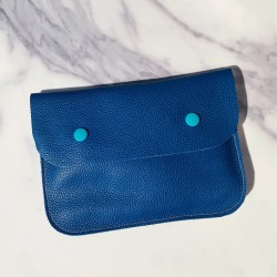 Grande pochette en cuir bleu