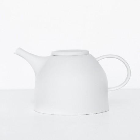 Théière en porcelaine blanche