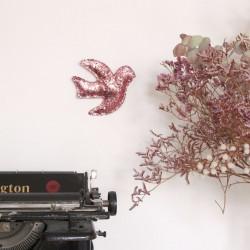 Hirondelle à paillettes rose