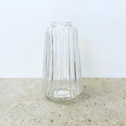 Petit vase en verre strié