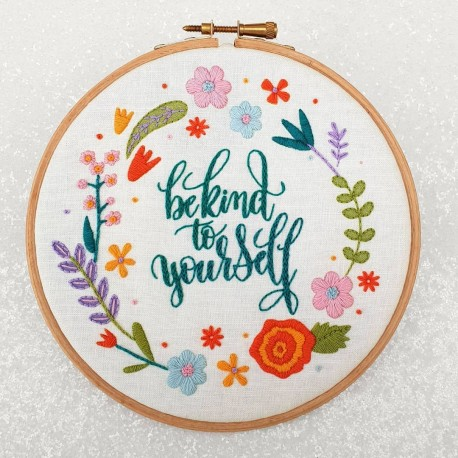 Kit de broderie Be kind to yourself