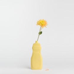 Vase bouteille en porcelaine jaune N°19
