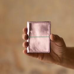 Porte cartes en cuir rose pastel