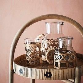 #NOUVEAUTÉS On vient tout juste de recevoir les jolies carafes en verre et bambou @madamstoltz ☀️Dispo en boutique et en ligne sur notre eshop 💛 — #ete85 #conceptstore #paris #paris3 #marais #vertbois #deco #passiondeco #boutiquedeco #boutiquecreateurs #createurs #decorationinterieur #design #designlovers #decoaddict #shopping #giftshop #handmade